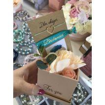 Mini virágbox koszorúslányoknak- menta