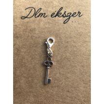 Kulcs charm