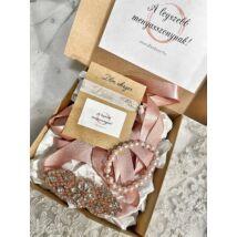 Menyasszonyi ajándékcsomag- mályva-rozé