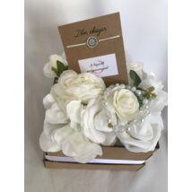 """Virágbox """"A legszebb menyasszonynak"""""""