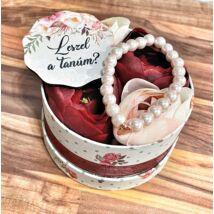 Tanú felkérő virágbox+ táblácska- bordó